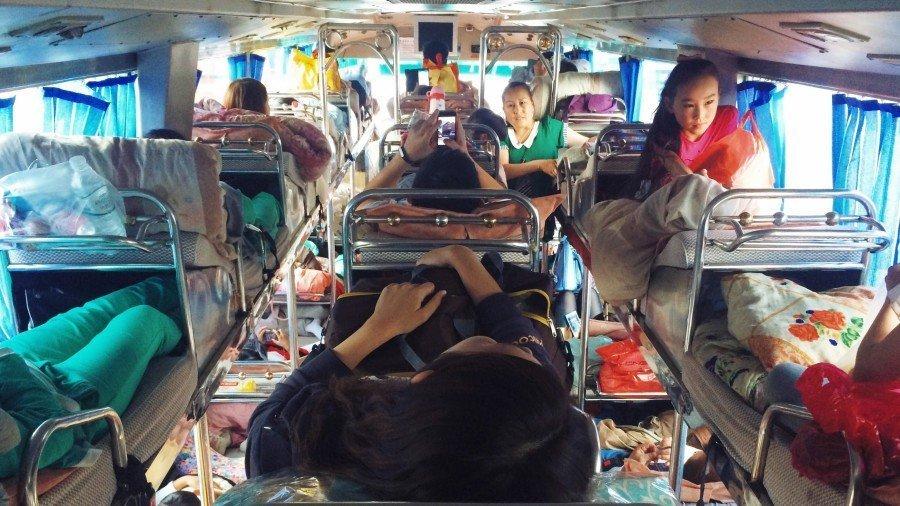 【新疆旅途故事】新疆臥鋪巴士體驗,PM2-5禁止通行