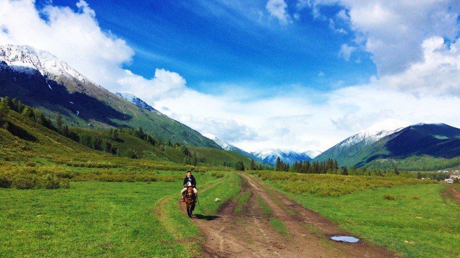 【新疆旅途故事】馬背上的風景:大美麗峰