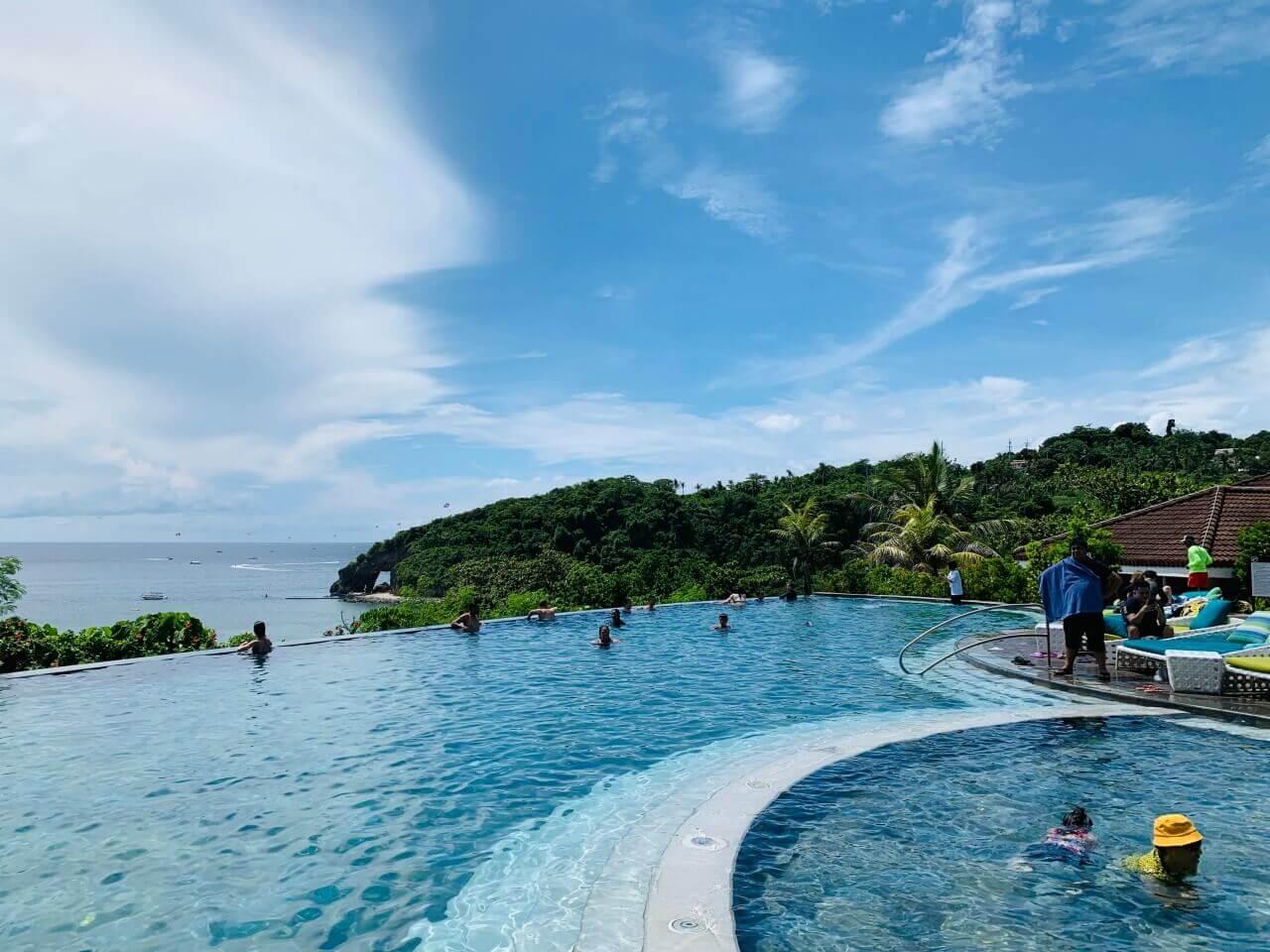 【長灘島住宿推薦】Fairways And Bluewater Boracay 獨享無邊際泳池、私人沙灘