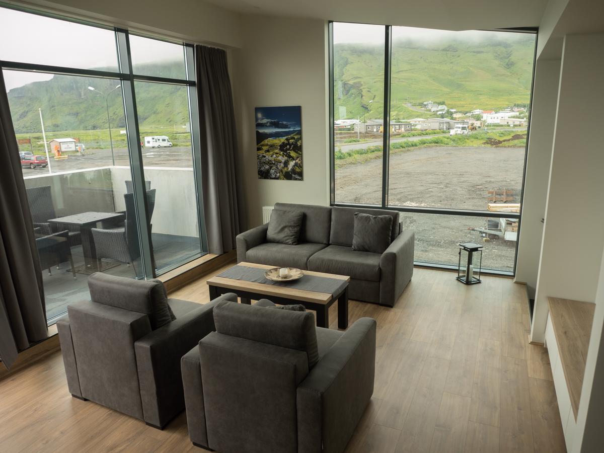 【冰島Vik住宿推薦】維克鎮優質公寓 Vik Apartment,靠山望海看極光