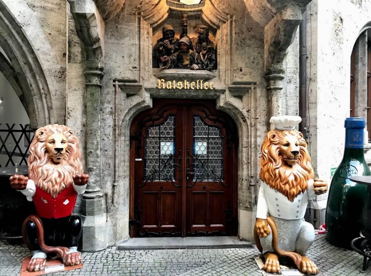 【慕尼黑美食推薦】啤酒花園大啖德國豬腳,慕尼黑必吃餐廳咖啡店整理